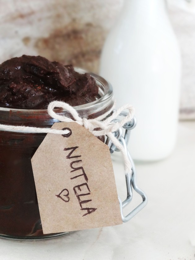 Raw nutella